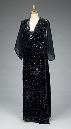 Dinner dress (image 1) | House of Worth | French | 1918-20 | silk, synthetic | Brooklyn Museum Costume Collection at The Metropolitan Museum of Art | Accession Number: 2009.300.3332