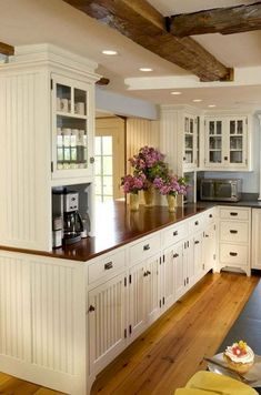 39 Beautiful Farmhouse Kitchen Cabinet Makeover Ideas