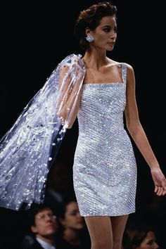 Golden Age of Glamour - Christy Turlington for Perry Ellis, Fashion Weeks, Big Fashion, Look Fashion, Fashion Models, Luxury Fashion, Fashion Show, Vintage Fashion, Fashion Outfits, 90s Models