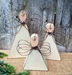 Classy Wooden Christmas Decorating Ideas 35 home Wooden Christmas Decorations, Christmas Wood Crafts, Christmas Signs, Christmas Angels, Christmas Art, Christmas Projects, Handmade Christmas, Holiday Crafts, Primitive Christmas