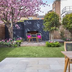 Clapham - Garden Club London Clapham - Garden Club London Source by . Urban Garden Design, Small Garden Design, Small Back Garden Ideas, Small City Garden, Garden Cottage, Garden Club, Small Gardens, Outdoor Gardens, Farm Gardens