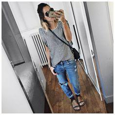 • Top & Jeans #fivejeans (on @five_jeans) • Bag #mansurgavriel (on @MansurGavriel) • Sandals #isabelmarant (on @farfetch)