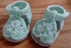 Green Baby Sandals Crocheted Baby Booties by BeautiWoolTreasures