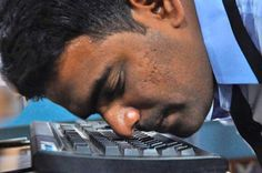 Rekord w pisaniu na klawiaturze nosem! Man Sets New Guinness Record for Typing Sentence with His Nose in the Shortest Time Possible! http://rekordyguinessa.pl/rekord-pisaniu-klawiaturze-nosem/