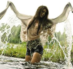 #romwe water splash long sleeves high speed flash photography style blogger model pose pretty light