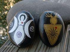 God and Goddess Altar/Ritual Stone Set por RocknGoddess en Etsy