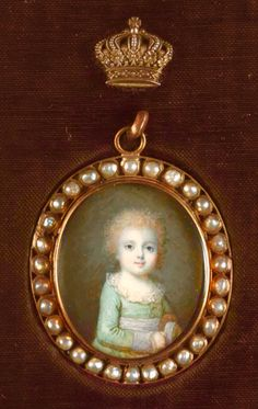 """marieantoinettesplayhouse: """" Marie Antoinette's Playhouse Miniature portrait of Louis-Charles in future Louis XVII, the son of Marie Antoinette and Louis XVI. He died before the Revolution. Louis Xvi, Royal Jewels, Crown Jewels, Marie Antoinette, Maria Theresia, Kaiser Franz, Miniature Portraits, Miniature Paintings, French Royalty"""