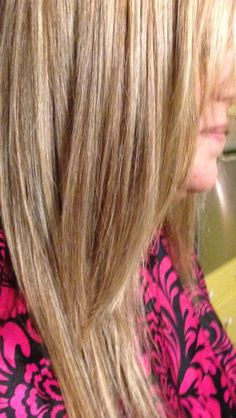 Beige blondes hair foils