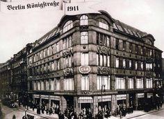 BERLIN 1911. C&A in der Königssrasse. Das Gebäude wurde 1974 auf Order der DDR-Führung abgerissen