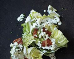 The classic iceberg wedge salad is making a comeback in many of our favorite new restaurants, and we& got the ultimate at-home recipe Veggie Dishes, Food Dishes, Side Dishes, Christmas Eve Dinner Menu, Iceberg Wedge Salad, Wedge Salad Recipes, Dinner Salads, Vegetable Salad, Side Recipes