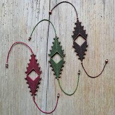 Macrame Jewelry, Macrame Bracelets, Bracelet Crafts, Macrame Projects, Macrame Tutorial, Macrame Patterns, Bijoux Diy, Micro Macrame, Crochet Motif