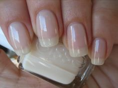 vernis à ongles essie - allure Gorgeous Nails, Love Nails, Pink Nails, Pretty Nails, Gel Nails, Essie Nail Polish, Nail Polish Colors, Manicure And Pedicure, Nail Polishes
