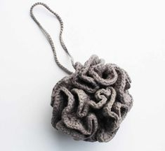 Crochet pattern: How to crochet a pouf No Waste, Mittens Pattern, Needlework, Crochet Necklace, Crochet Patterns, Easy, Pure Products, Knitting, Blog