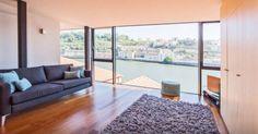 Apartamentos com piscina no Algarve, casas de campo, no centro de Lisboa e do Porto, no Minho, nos Açores. Encontrámos os melhores locais para ficar no site da Airbnb.