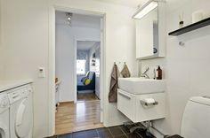 Lavandería y cuarto de baño en el centro de la casa