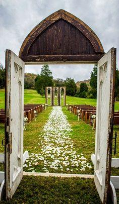 Salvaged chapel doors for outdoor wedding   BLEU de TOI