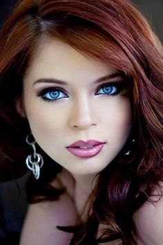 This babe is a stunner! I know makeup can do a lot of things for women but this is perhaps maybe the most beautiful pic of a babe I've seen yet. Stunning Eyes, Gorgeous Eyes, Beautiful Redhead, Pretty Eyes, Cool Eyes, Beautiful Women, Simply Beautiful, Amazing Eyes, Absolutely Fabulous