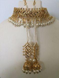 Mahira v style choker with earrings in Hyderabadi Jadau style - M. Ghuman - - Mahira v style choker with earrings in Hyderabadi Jadau style - M. 24k Gold Jewelry, Silver Jewellery Indian, Indian Wedding Jewelry, Gold Jewellery Design, Bridal Jewelry, Jewelery, Diamond Jewelry, Handmade Jewellery, Amrapali Jewellery
