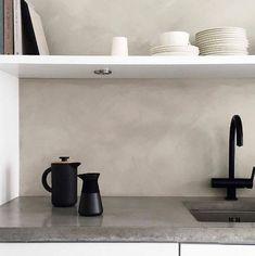 Lady Minerals Washed Linen 10679 - den flotte farve i Minerals Kalkmaling! Home Decor Kitchen, Kitchen Interior, Jotun Lady, By Lassen, Beach House Kitchens, Lets Stay Home, Simple Interior, Green Kitchen, Scandinavian Home