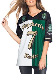 50 points to Slytherin! This piece is straight-up tomboy chic, like you just stole it from the quarterback's closet. Guys might want to order a size up, though, so it has that cool oversize look Slytherin Clothes, Slytherin House, Slytherin Pride, Harry Potter Merchandise, Harry Potter Style, Harry Potter Outfits, Geek Fashion, Fashion Outfits, Objet Harry Potter