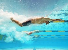 a great underwater shot of Michael Phelps from last week's #ArenaGPMesa in the latest issue of Sports Illustrated. Leading Off: Pictures of the Week - Photos - SI.com -