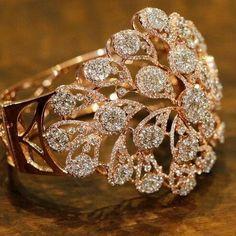 Fancy Jewellery, Gold Rings Jewelry, Jewelry Design Earrings, Gold Jewellery Design, Stylish Jewelry, Jewelry Sets, Wedding Jewelry, Wedding Rings, Silver Jewellery