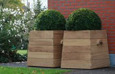 10 Easy Pieces: Square Wooden Garden Planters by Janet Hall
