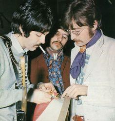 1967 - Paul McCartney, Ringo Starr and John Lennon.