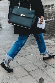The Designer Ballet Flats You're About to See Everywhere: Miu Miu Buckle Ballerina Flats - London Fashion Week - Street Style Lace Up Ballet Flats, Miu Miu Ballet Flats, Ballerina Flats, Ballerine Miu Miu, Flat Shoes Outfit, Miu Miu Handbags, Feminine Tomboy, Garance, Vogue