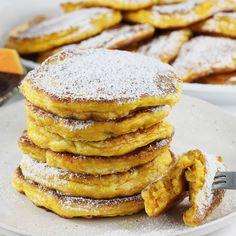 Najlepszy i super prosty przepis na placki z dyni. To sprawdzone i bardzo puszyste placki dyniowe na słodko, które możesz podać zarówno na śniadanie jak i na kolację. Placki dyniowe uwielbiają też dzieci. Pumpkin Recipes, Pancakes, Cooking Recipes, Cooking Ideas, Food And Drink, Bread, Breakfast, Kitchen, Pies
