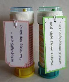 Diese tolle Idee hab ich bei papierelle gesehen. Meine Umsetzung. Ich weiß auch schon, wer die eine oder an...