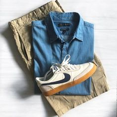 So this is what happens when you have too many shoes! Which would you choose for this outfit? (Swipe right) Nike x JCrew Killshot 2 Gucci Ace