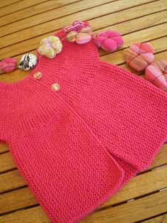 Baby Knitting Patterns Free Newborn, Crochet Baby Sweaters, Little Pet Shop Toys, Knit Baby Dress, Crochet Flower Patterns, Doll Patterns, Baby Vest, Vintage Paper Dolls, Antique Dolls