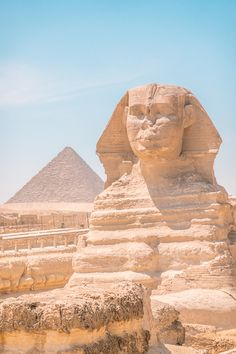 Want to see the great Pyramids of Giza in Cairo, Egypt? Be prepared for scams -- here's what you need to know before visiting the famous Egyptian Pyramids: Egypt Tattoo, Great Pyramid Of Giza, Pyramids Of Giza, Ancient Egypt Pyramids, Ancient Aliens, Ancient Greece, Egypt Travel, Cairo Egypt, Beautiful Places To Travel