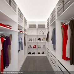 Ankleidezimmer im kleinen Raum. Passgenau bis zur Decke eingeplant. Mehr Inspirationen auf:…