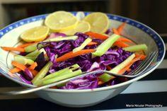 Ce mananca nutritionistii la pranz? Schema nutritionala pentru slabit sanatos – Sfaturi de nutritie si retete culinare sanatoase Cabbage, Vegetables, Food, Salads, Essen, Cabbages, Vegetable Recipes, Meals, Yemek