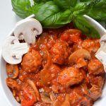 Bigos cygański. Klopsiki po cygańsku. Wok, Curry, Ethnic Recipes, Curries, Woks
