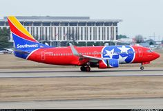 """Southwest Airlines Boeing 737-7H4 N922WN """"Tennessee One"""" touching down at Nashville-International, February 2016. (Photo: John Padgett)"""