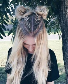 33 coole Zöpfe Festival Frisuren - Hair,Beauty and Clothing - Boxer Braids Hairstyles, Cool Hairstyles, Beautiful Hairstyles, Hairstyle Ideas, 2 Buns Hairstyle, Latest Hairstyles, Half Braided Hairstyles, Choppy Hairstyles, Beach Hairstyles