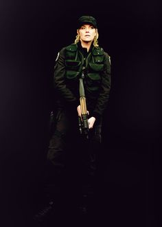 I love the attitude radiating off of Sam in this picture. Though I have to say I have watched every single moment of every Stargate and damned if I can place when this picture fits in!