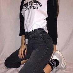 Image about girl in style inspo by gracie ☼ on We Heart It Grunge Outfits, Casual Outfits, Cute Outfits, Streetwear Mode, Streetwear Fashion, 90s Fashion, Fashion Outfits, Womens Fashion, Mode Chanel