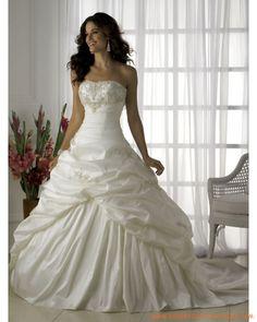 Robe ballon bustie appliquée de broderies et de plis robe de mariée princesse