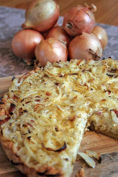 This German Onion Tart is made with bacon and a creme fraiche custard. We dare you to stop at just one slice! Get the recipe now on Foodal. Easy German Recipes, Austrian Recipes, Savoury Slice, Savory Tart, Vegetable Dishes, Vegetable Recipes, German Appetizers, Onion Tart, Onion Pie