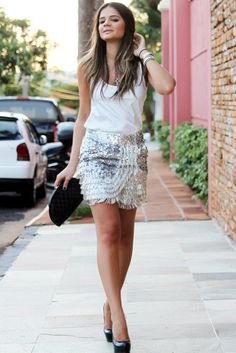 Sequin fringe skirt and white top....although this chick looks messed up lololol