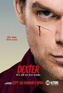 Esta vez una serie: Dexter. No me atrapó el primer capítulo, pero me sugirieron que le de otra oportunidad. Que buena sugerencia!! Es increíble esta serie. Especial para los que les gusta los misterior de la mente.