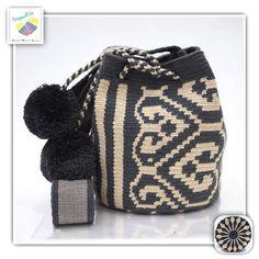 9 отметок «Нравится», 1 комментариев — Wayuu Bags &Bikini etc. (@wayuukiss) в Instagram: «Wayuu bag double strands รุ่น Pom Pom ⭕️Sold out⭕️ •ฐาน 7นิ้ว สูง 8นิ้ว •สายยาว 100 cm. •ฟรี Ems…»
