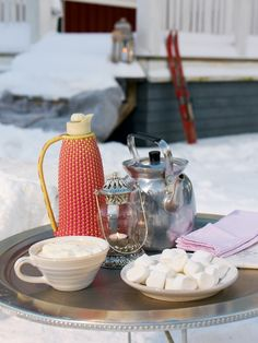 Hot chocolate in the snow instead of a summer picnic