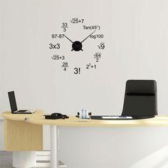 Reloj de vinilo matemático, ideal para decorar una pared y ver la hora que es de una manera muy original.
