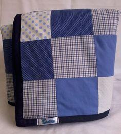 Tapete em patchwork, forrado e com viés em tecido 100% algodão. Enchimento em manta acrílica fina 100% poliéster. *As cores podem ser escolhidas e combinadas no pedido.