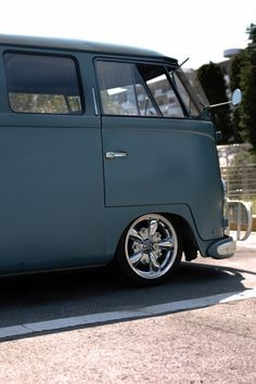 VW Bus front view